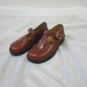 Footprints 38 7 Mary Jane Shoes Spring Leather EUC